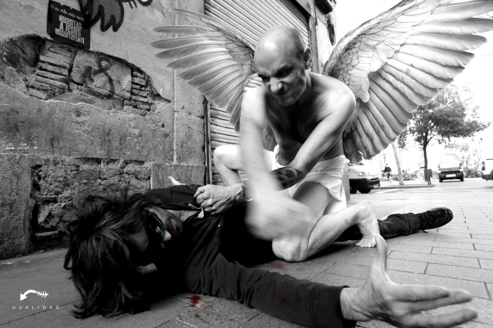 ¡Demonios, si es un ángel!